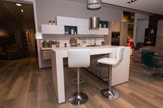 Immagina Lux - Cucina Lube Moderna in esposizione presso il nostro showroom di Pinerolo. #cucinelube #cucinelubepinerolo