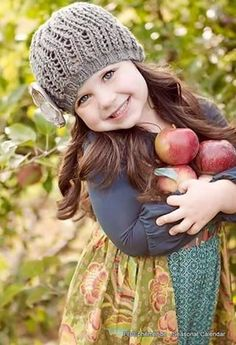 Image in Kids 💕 collection by eladvi on We Heart It Online Image Editor, Kids Fashion, Womens Fashion, Color Splash, Red Green, Cute Babies, Winter Hats, Flower Girl Dresses, Crochet Hats