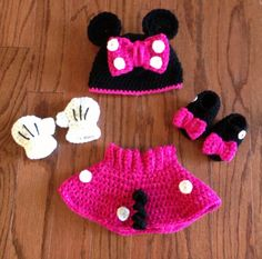 Crochet NB through 12 mos Minnie Mouse outfit by CrochetbyDestinee