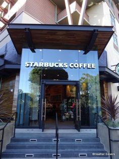 Starbucks opens in Downtown #Disney - lots of pictures and thoughts! #Disneyland