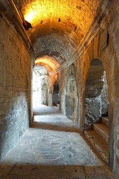 France-002321 - Amphitheatre Hallway
