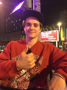 Bradley Will Simpson, Brad Simpson, Brad The Vamps, Somebody To You, Chica Cool, 1d And 5sos, Attractive People, Guys And Girls, Pretty Boys