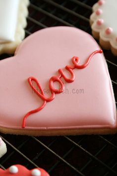 Find best ideas / inspiration for Valentine's day cookies. Get the best Heart shaped Sugar cookies for Valentine's day & royal icing decorating ideas here. Cookies Cupcake, Heart Cookies, Iced Cookies, Cute Cookies, Cookies Et Biscuits, Sugar Cookies, Cookie Favors, Baby Cookies, Flower Cookies