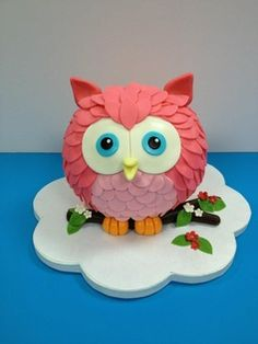 Butler did you see this owl cake? Owl Cakes, Bird Cakes, Cupcake Cakes, Cupcakes, Ladybug Cakes, Fruit Cakes, Fondant Figures, Novelty Cakes, Foam Crafts