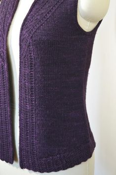 Stonybrooke Vest — Knitting pattern by Valerie Hobbs — Knitting Patterns ww. Christmas Knitting Patterns, Knitting Patterns Free, Knit Patterns, Love Knitting, Arm Knitting, Knit Vest Pattern, Crochet Pattern, Creative Knitting, I Cord