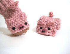 fingerless gloves -- pink piggies