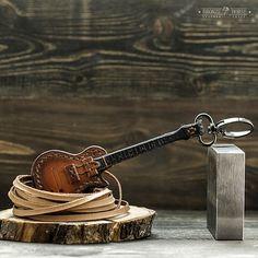 61 отметок «Нравится», 3 комментариев — ◉ⒷⓇⓄⓃⓏⒺ♞ⒽⓄⓇⓈⒺ◉ (@gorodkov_av) в Instagram: «Продаётся гитара #gibson #lespaul . Сделана из кожи растительного дубления. Размер с ладонь.…»