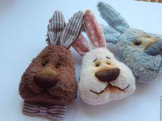 Купить Зайка Тедди брошка - брошь заяц, брошь ручной работы, брошка тедди