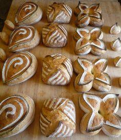 Bread Art, Pan Bread, Tiger Bread, Bread Display, Bread Shaping, Bread Recipes, Cooking Recipes, Sourdough Bread, Artisan Bread