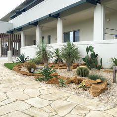 Dry Garden, Side Garden, Zen Garden Design, Landscape Design, Drought Tolerant Garden, Minimalist Garden, Front Yard Design, Garden Entrance, Agaves
