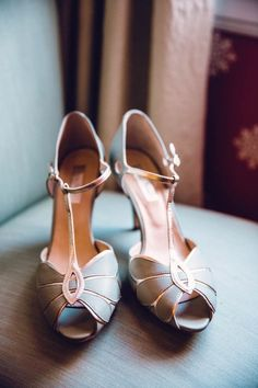 Silver and rose gold peep toe wedding shoes | Hartman Outdoor Photography