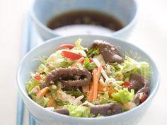 Recette de cuisine Marmiton Summer Recipes, Tacos, Ethnic Recipes, Food, Beef Salad, Lemon Grass, Mint, Bell Pepper, Key Lime