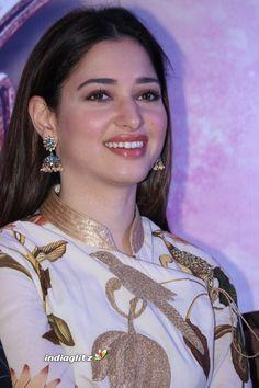 Tamannah Indian Actresses, Bollywood Actress, Desi Girl Image, Star Gossip, Actress Photos, Actresses, Malayalam Actress, Girls Image