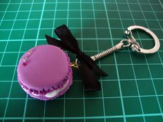 Diy French Macaron Keyrings  •  Free tutorial with pictures on how to make a keyring in under 50 minutes #howto #tutorial