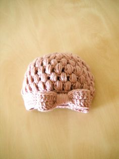 little muffin beanie =  cute idea for finishing -love the bow!!!