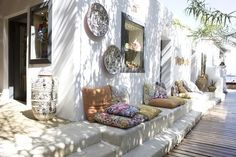 While working on some upcoming blog posts this past weekend,I came across  some unique stores that I just had to share with y'all! Offering a mix of  bohemian chicdecor, these stores'products are sure to add some richness  and vitality to your home. (Source of image above)   -  B O H E M -   ONE / TWO / THREE / FOUR / FIVE / SIX   -  C L E O B E L L A -   ONE / TWO / THREE   -  R O S E  &  F I T Z G E R A L D -   ONE / TWO / THREE / FOUR / FIVE / SIX   -  I N D I E  H O M…