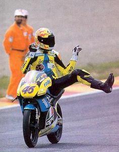 VALENTINO ROSSI raccolta foto thread - Pagina 38 - DaiDeGas Forum.Valentino Rossi #46 Aprilia 125 1996