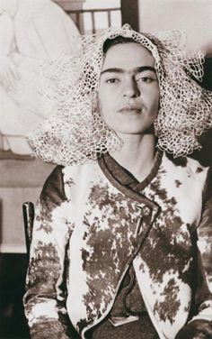 Frida Kahlo by Lucienne Bloch 1935