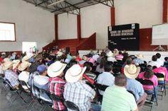 En las Instalaciones del Auditorio Municipal se llevó a cabo una reunión con Autoridades Auxiliares del Municipio de Peñamiller, cuya...