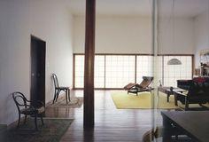 白の家  設計者:篠原一男  竣工 :1966年  住所 :東京都杉並区