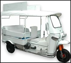 Tuk Tuk North America - The Nations Leading Innovate 3 Wheeler Company I think we need this for Florida! Motor Scooters, Motor Car, Mobile Food Cart, Bike Cart, Barbie Camper, Electric Golf Cart, Golf Cart Accessories, Motorcycle Shop, Old Classic Cars
