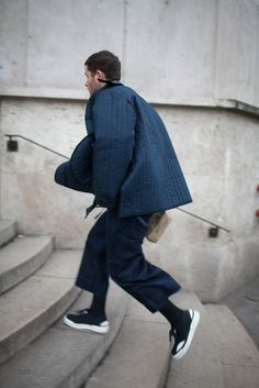They Are Wearing: Paris Men's Fashion Week - Slideshow Fashion Week 2015, Mens Fashion Week, Fashion News, Winter Fashion, Fashion Trends, Men's Fashion, Fashion Styles, Street Fashion, Men Street