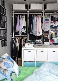 personalizza l 39 armadio con accessori interni come mensole. Black Bedroom Furniture Sets. Home Design Ideas