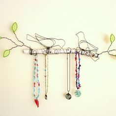 Magpies on a branch wire jewelry display - cute idea    #handmade