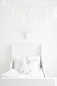 White on white in the kids bedroom #petitmaiscosy #minimal #decocrush  Excitement ideas that can make your house stylish and luxurious, follow us to find more. ♥