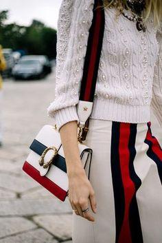 Veronika Heilbrunner con una bolsa de Gucci | Galería de fotos 39 de 63 | VOGUE