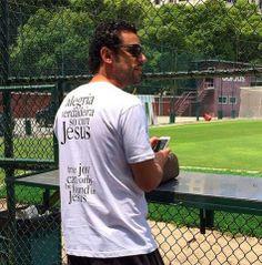 VC VIU? Jogador Fred agora é evangélico VEJA + NO Nn! www.novasnoticias.net