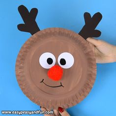 Have a few spare paper plates and need an easy Christmas craft idea to do with kids? Learn how to make this cool paper plate reindeer craft. Paperplate Christmas Crafts, Christmas Countdown Crafts, Christmas Crafts For Kids To Make, Christmas Activities, Holiday Crafts, Sun Crafts, Paper Plate Crafts For Kids, Paper Craft, Reindeer Craft