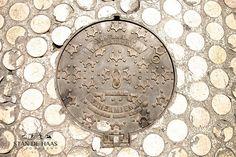 Manhole - Spanje, Malaga, manhole, manhole cover, stan de haas, kanaldeckel, gullydeckel, asphalt, background, circle, city, cover, detail, drain, grate, gray, hole, iron, metal, old, pavement, road, round, sewage, sewer, sidewalk, steel, street, symbol, underground, urban, water, putdeksel  http://www.standehaas.com  https://www.facebook.com/pages/Stan-de-Haas-Photography