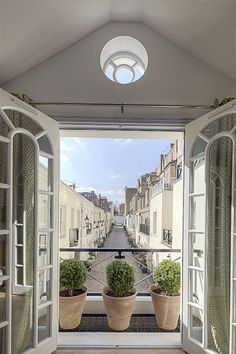 Mews1 - balcony/view out