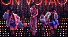 au isai」のTVCMに椎名林檎とAyabambiが出演! Aya Sato, Shiina Ringo, Android 18, Street Wear, Street Style, Dance, Concert, How To Wear, Bible