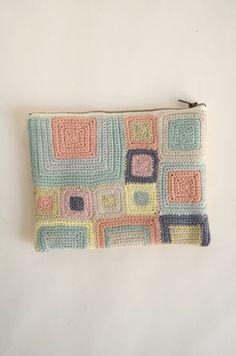Idea - nesessaire crochet pouch | DIY | Pinterest | Crochet Pouch, Crochet and Crochet Squares