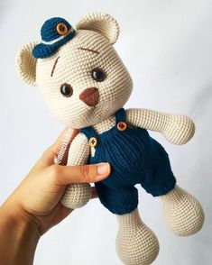 The Best Amigurumi Toys – Knitting And We Crochet Bunny, Crochet Animals, Crochet Dolls, Crochet Motifs, Easy Crochet Patterns, Amigurumi Toys, Amigurumi Patterns, Tutorial Amigurumi, Craft Day