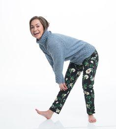 Eco Frøken Snurp genser - A Knit Story Harem Pants, Pajama Pants, Pajamas, Studio, Knitting, Fashion, Threading, Model, Pjs
