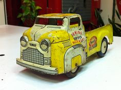 vintage toy truck by Ronnie Harris, via Flickr