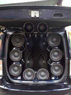 The world of Car Audio is a little different in Latin America. This PRV Audio equipped Van was incredible.