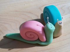 Items similar to Fondant Snail Cake and Cupcake Toppers - Set of 12 on Etsy Fondant Dog, Fondant Animals, Fondant Cakes, Cupcake Cakes, Fondant Figures, Dog Cake Topper, Cupcake Toppers, Marzipan, Snail Cake