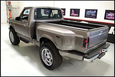 1992 ford step side | 1992 Ford F150 Short Bed 4x4 Pickup 5.0/302 HP, Automatic presented as ...
