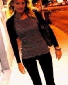 #me #io #street #streetart #streetfashion #fashion #primopiano  #pic #allavoro #color #colors #colorfull #Sardegna #waves #movies #bionda #frangia #blonde #occhi #eyes #selfie #capelli #capellimossi #sofa #tv #picoftheday #photooftheday #instamood #instantmoment #instantsardegna by lapu1928