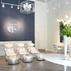 Parlor Dry Bar, Raleigh NC Design by Anna Applegate Interiors Photo Southern Arrondissement #parlor #drybar #salon #commercial #space