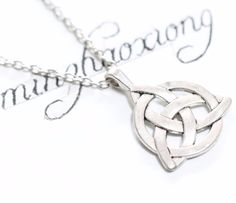 Ancient Bronze Silver Irish Triangle Trinity Love Knot Charm Necklace & Pendant Fashion Jewelry New