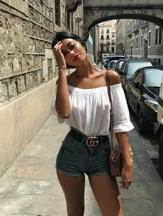31 Street Style Outfit For You This Summer – Summer Outfits – Summer Fashion Tips Summer Fashion Trends, Summer Fashion Outfits, Casual Summer Outfits, Short Outfits, Spring Outfits, Fashion Ideas, Style Fashion, Feminine Fashion, Casual Shorts