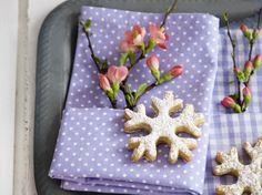 winterliche Tischdeko zum Barbara-Tag http://www.zuhausewohnen.de/wohnen/10-ideen/galerie/10-ideen-kuschelzeit/page/3#content-top
