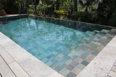 Le carrelage Green Bali, vous donnera une eau cristalline. La baignade ne se fait plus attendre! On vous attend au 04.94.10.27.27 ou info@carostyl.fr Plunge Pool, Yard Games, Barbacoa, Pool Ideas, Pool Houses, Swimming Pools, Bali, Gardens, Pools