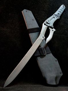 Ninja Weapons, Anime Weapons, Weapons Guns, Fantasy Sword, Fantasy Weapons, Cool Knives, Knives And Swords, Tactical Swords, Hidden Weapons
