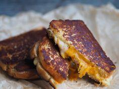 Oste og senneptoast_P1280015 Sandwiches, Toast, Breakfast, Food, Morning Coffee, Essen, Meals, Paninis, Yemek